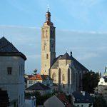 Jako ve středověku! Zvon vyzdvihnou pomocí dřevěné konstrukce a vrátku